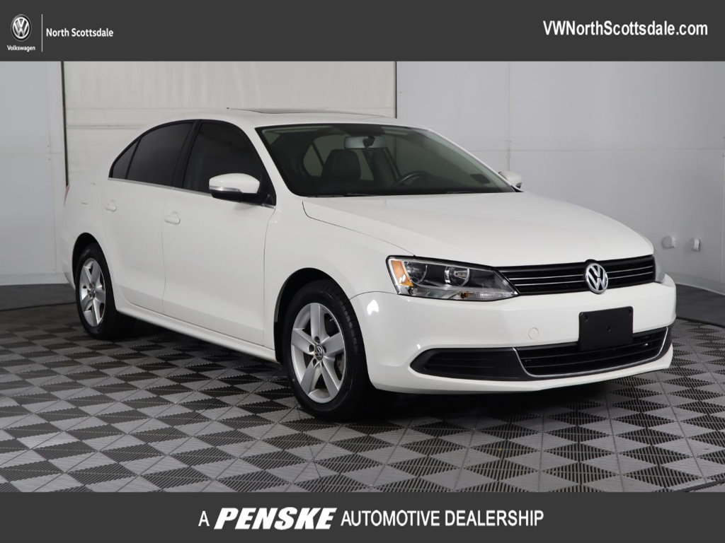 Certified Pre-Owned 2013 Volkswagen Jetta Sedan 4dr Manual TDI