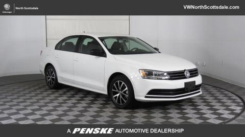 Certified Pre-Owned 2016 Volkswagen Jetta Sedan 1.4T SE 4dr Automatic